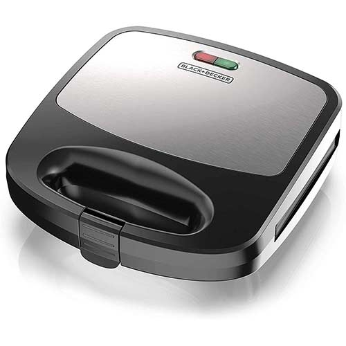 8. BLACK+DECKER WM2000SD 3-in-1 Morning Meal Station Waffle, Grill, or Sandwich Maker