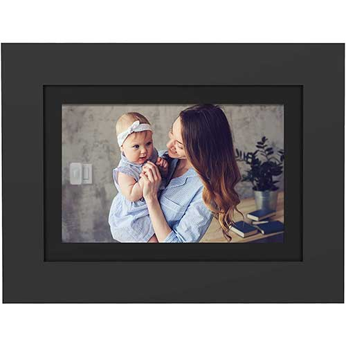 9. PhotoShare Friends and Family Smart Frame 8